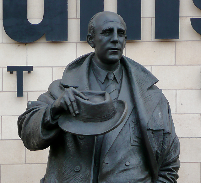 Statue of Stan Cullis